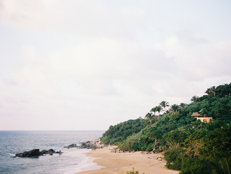 Lifestyle shoot at Casa Teitiare in Sayulita, Mexico by Jillian Mitchell Photography.
